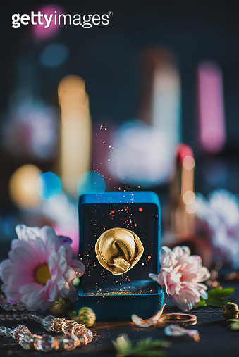 Golden dumpling in a wedding ring box, Valentine day funny concept - gettyimageskorea