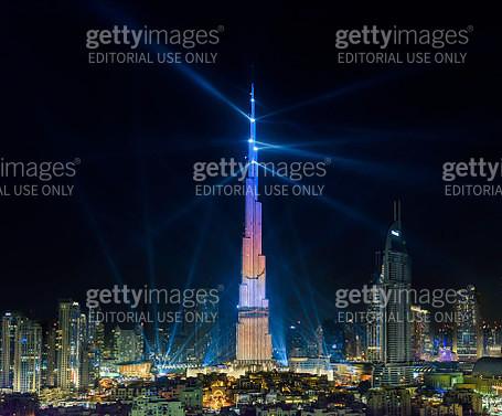 New Year Light show in Burj Khalifa - gettyimageskorea
