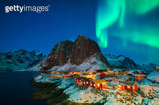 Colorful northern lights - gettyimageskorea