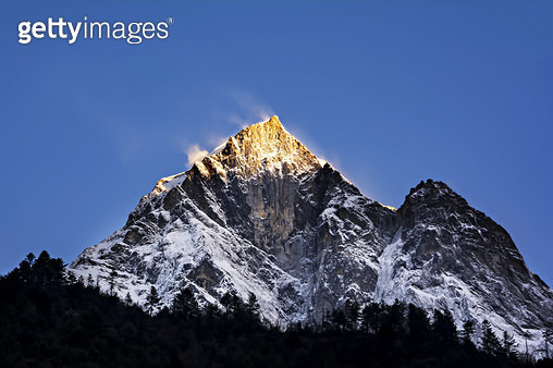 Sunrise over the mountain peak in Nepal. - gettyimageskorea