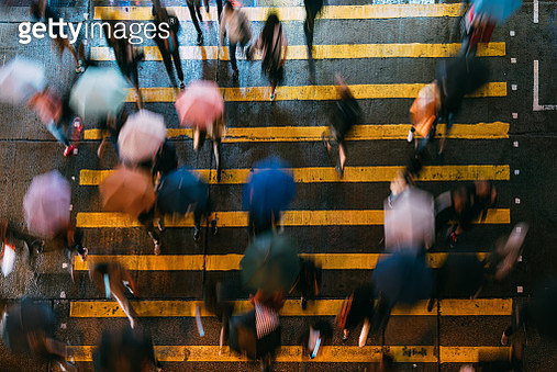 Top view of people crossing a very busy crossroads at Mong Kok district Hong Kong in China - gettyimageskorea