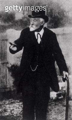 <b>Title</b> : Paul Cezanne (1839-1906) (b/w photo)<br><b>Medium</b> : <br><b>Location</b> : The Illustrated London News Picture Library, London, UK<br> - gettyimageskorea