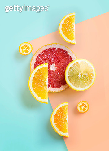 Flat lay citrus fruits on graphical background. Modern trendy stylised food still life. - gettyimageskorea