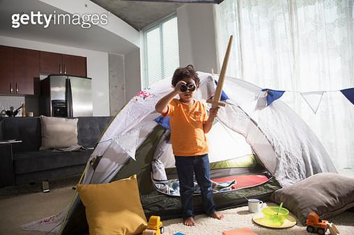 Young boy has adventure indoors. - gettyimageskorea