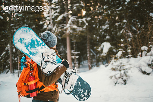 Ready for snowboarding - gettyimageskorea