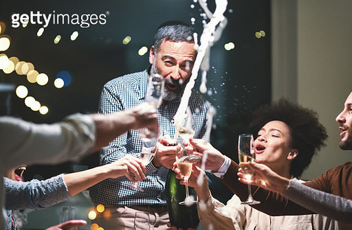 Champagne celebration toast. - gettyimageskorea