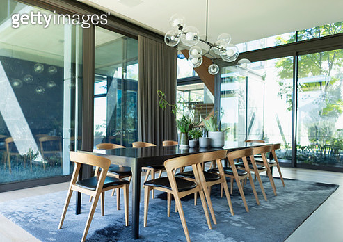 Luxury, mid-century modern dining room table - gettyimageskorea