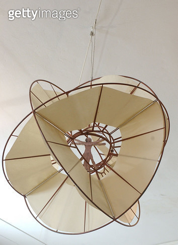 <b>Title</b> : Reconstruction of da Vinci's flying sphere<br><b>Medium</b> : <br><b>Location</b> : Museo Ideale di Leonardo da Vinci, Vinci, Italy<br> - gettyimageskorea