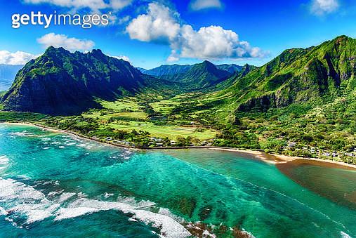 Aerial View of Kualoa area of Oahu Hawaii - gettyimageskorea