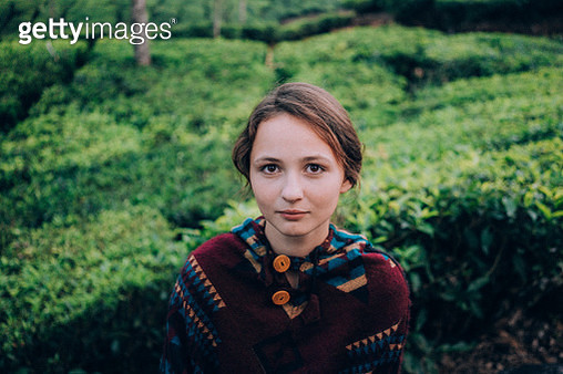 Woman on tea plantation in India - gettyimageskorea