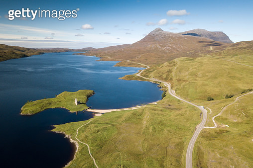 Ardvreck Castle And Loch Assynt - gettyimageskorea