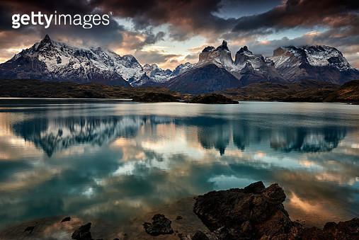 Cordillera del Paine from Lake Pehoe - gettyimageskorea