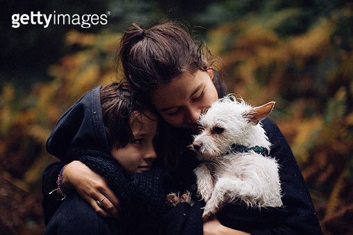 Family Portrait with Dog - gettyimageskorea