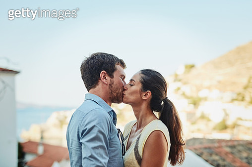 When I'm with you, no one else exists - gettyimageskorea