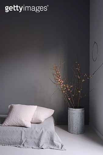 Vase By Bed Against Gray Wall At Home - gettyimageskorea