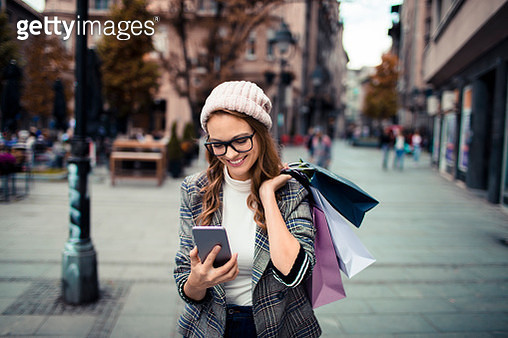 Young Lady Shopping - gettyimageskorea