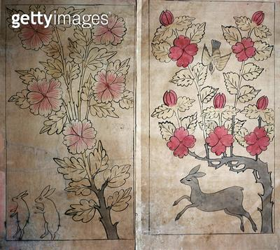 <b>Title</b> : Two panels from a four fold screen (natural pigments on paper)<br><b>Medium</b> : natural pigments on paper<br><b>Location</b> : Gahoe Museum, Jongno-gu, South Korea<br> - gettyimageskorea