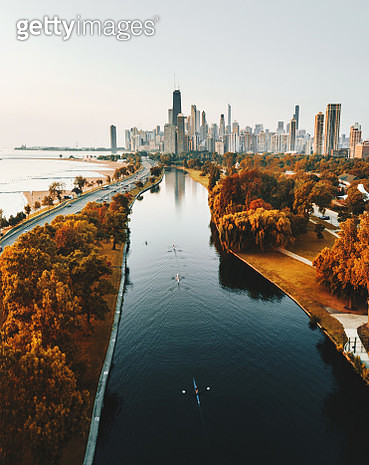autumn skyline of chicago - gettyimageskorea