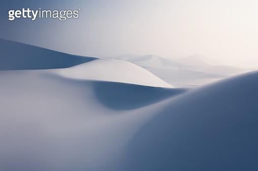 Snow covered desert sand dunes - gettyimageskorea