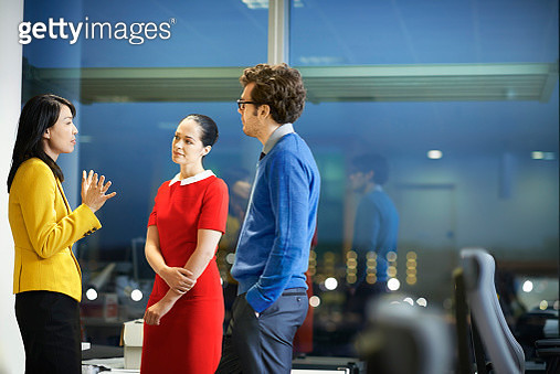 Late night meeting at the office - gettyimageskorea