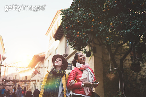 Two friends exploring Barcelona together - gettyimageskorea