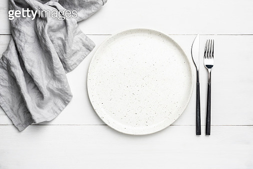 Empty Plate, Cutlery And Linen Textile - gettyimageskorea