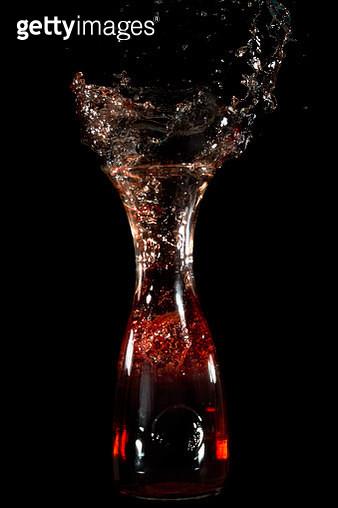 wine bottle splash - gettyimageskorea