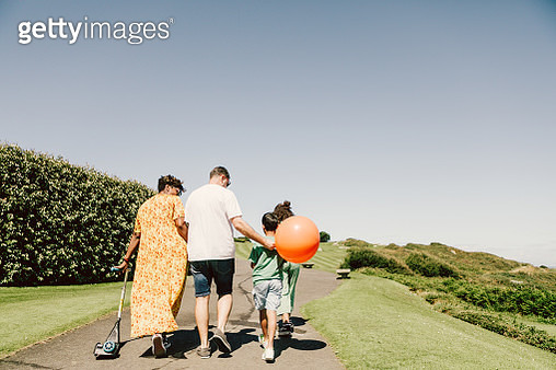 rear view young family walking in nature - gettyimageskorea
