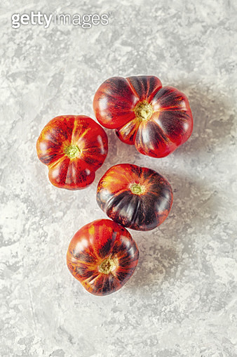 An old Cherokee Indian heirloom, pre-1890 variety that is widely grown for its real old-time tomato flavour. - gettyimageskorea