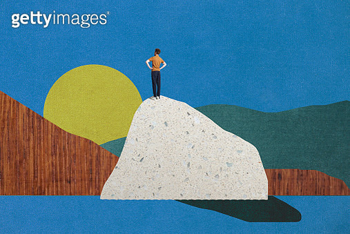 man standing on top of mountain - gettyimageskorea