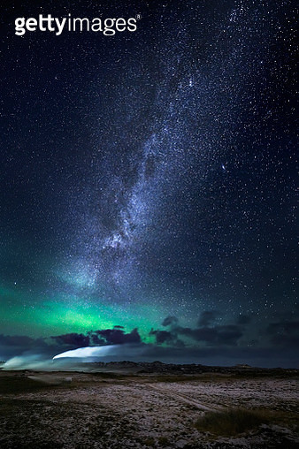 Aurora Borealis with the Milky Way Galaxy, Reykjanes Peninsula, Iceland - gettyimageskorea
