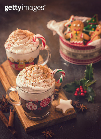 Hot Chocolate in a cozy Christmas atmosphere - gettyimageskorea