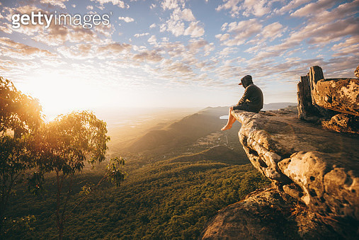 Sunrise at Baroka Lookout in the Grampians National Park in Victoria, Australia - gettyimageskorea