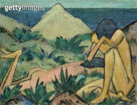 <b>Title</b> : Nudes in Dunes, c.1919-20 (oil on canvas)<br><b>Medium</b> : oil on canvas<br><b>Location</b> : Hamburger Kunsthalle, Hamburg, Germany<br> - gettyimageskorea