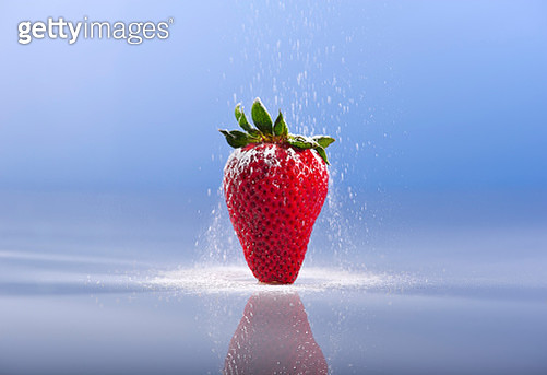 Strawberry and Sugar - gettyimageskorea