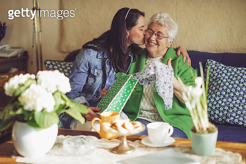 Social worker is visiting a senior woman - gettyimageskorea