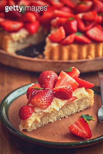Strawberry Tart with Vanilla Cream - gettyimageskorea