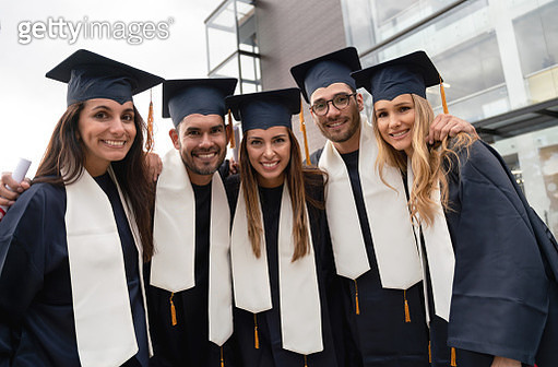 Portrait of a happy group of graduate students - gettyimageskorea