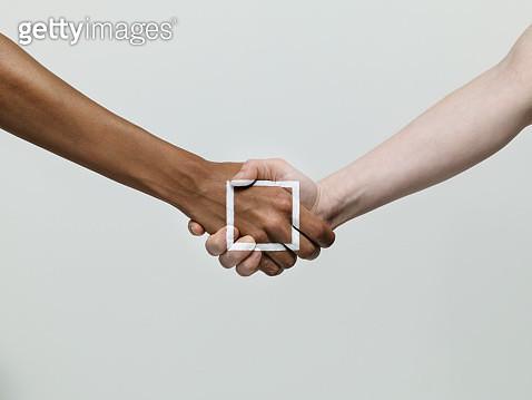 Handshake - gettyimageskorea