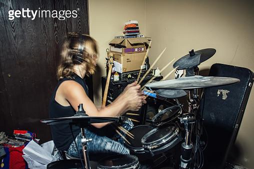 Teenage Boy Playing Drums - gettyimageskorea