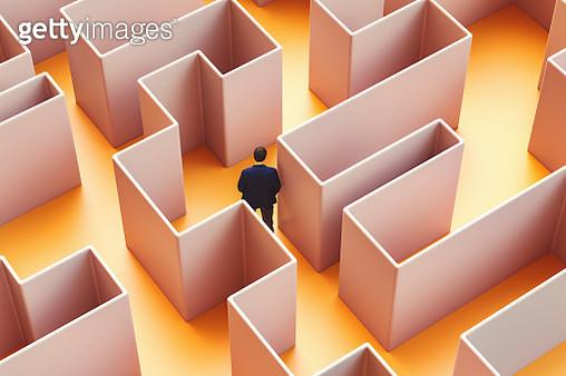 Businessman lost in maze - gettyimageskorea
