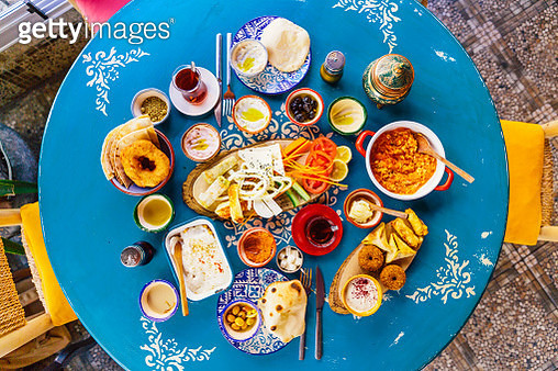Directly above view of traditional Turkish breakfast in a restaurant, Istanbul, Turkey - gettyimageskorea