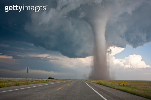 Thunderstorms, road into Oklahoma. - gettyimageskorea