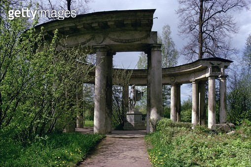 <b>Title</b> : The Apollo Colonnade (photo)Additional Info18th century Russian neo-classical architecture;<br><b>Medium</b> : <br><b>Location</b> : Pavlovsk Palace, St. Petersburg, Russia<br> - gettyimageskorea