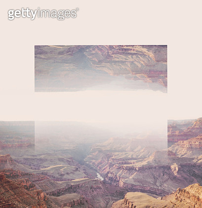 Creative geometric landscape manipulation with reflection in the Grand Canyon. - gettyimageskorea