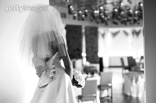 Bride With Bouquet Walking In Ceremony - gettyimageskorea
