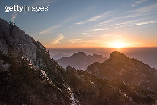 turtle peak view point, Huangshan (Yellow Mountains), Eastern China. - gettyimageskorea