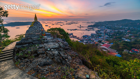 sunrise on the top of pagoda - gettyimageskorea