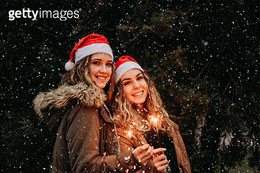 Smiles in the sparkles - gettyimageskorea