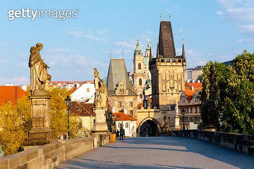 Charles Bridge and Prague skyline with Mala Strana and Lesser Town Bridge Tower, Czech Republic - gettyimageskorea